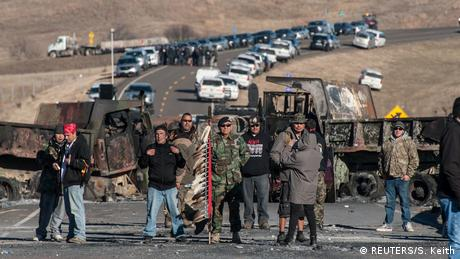 USA | Proteste gegen den Bau der Oil-Pipeline in North Dakota (REUTERS/S. Keith)
