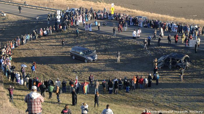 USA | Proteste gegen den Bau der Oil-Pipeline in North Dakota (picture-alliance/AP Images/M. McCleary)