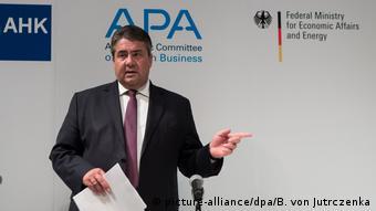 China Asien-Pazifik-Konferenz der deutschen Wirtschaft in Hongkong (picture-alliance/dpa/B. von Jutrczenka)