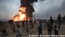 Irak Ölfeld in Flammen bei Mossul