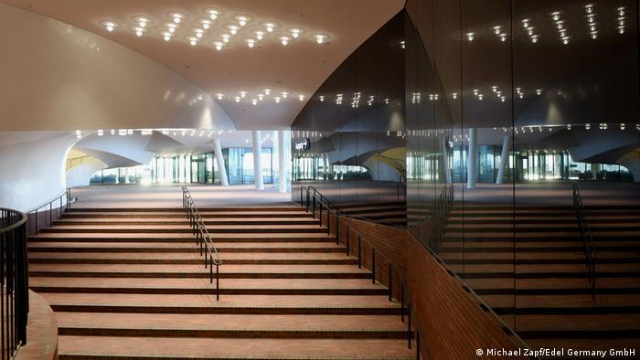 Hamburg Elbphilharmonie Plaza (Michael Zapf/Edel Germany GmbH)