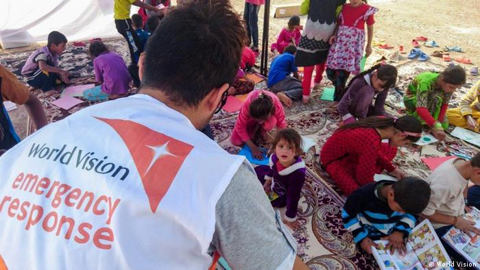 Irak Mossul World Vision betreut Kinder in Flüchtlingslager (World Vision)
