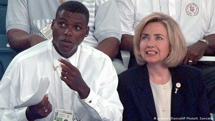 MRS. Hillary CLINTON CARL LEWIS (picture-alliance/AP Photo/A. Sancetta)