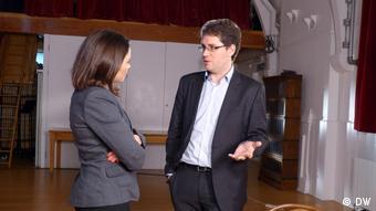 Жанна Немцова и Элиот Хиггинс перед записью интервью в Лондоне