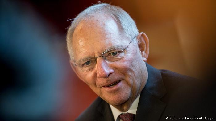 Wolfgang Schäuble Bundesfinanzminister (picture-alliance/dpa/F. Singer)