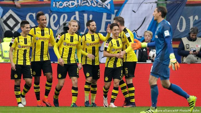 Fußball Bundesliga W10 HSV gegen BVB - Pierre-Emerick Aubameyang 2. Tor (picture-alliance/AP Photo/M. Sohn)