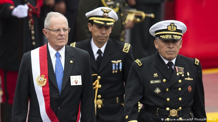 Peru Präsident Pedro Pablo Kuczynski (picture-alliance/AP Photo/M. Mejia)