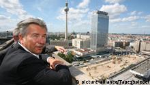 Rundfahrt Berliner Politiker zur städtebaulichen Entwicklung der Stadt