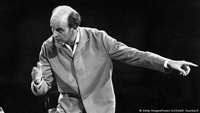Ferenc Fricsay conducting in 1961 in London (Getty Images/Huton Archive/E. Auerbach)