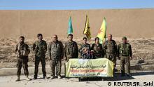Syrien Rebellen der Syrischen Democratischen Kräfte geben Pressekonferenz in Rakka