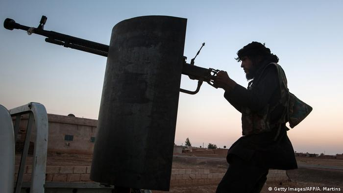 Airstrikes cut water supplies in Islamic State stronghold of Raqqa