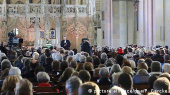 Η Καθολική και η Ευαγγελική Εκκλησία μετρούν περίπου 45 εκατομμύρια μέλη στη Γερμανία