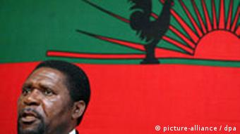 Isaías Samakuva, líder da UNITA, defende a autonomia de Cabinda