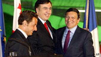 Saakashvili with French President Sarkozy, left, and the EU's Barroso