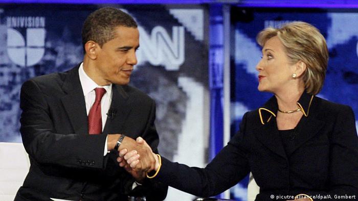 Historisch: Barack Obama und Hillary Clinton (picutre-alliance/dpa/A. Gombert)