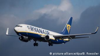 Ryanair (picture-alliance/dpa/B. Roessler)