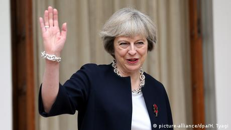 Theresa May (picture-alliance/dpa/H. Tyagi)