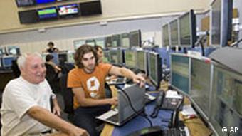 Schweiz CERN Teilchenbeschleuniger LHC Kontrollzentrum