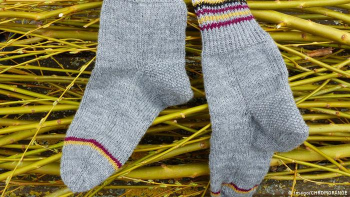 Wool socks (imago/CHROMORANGE)
