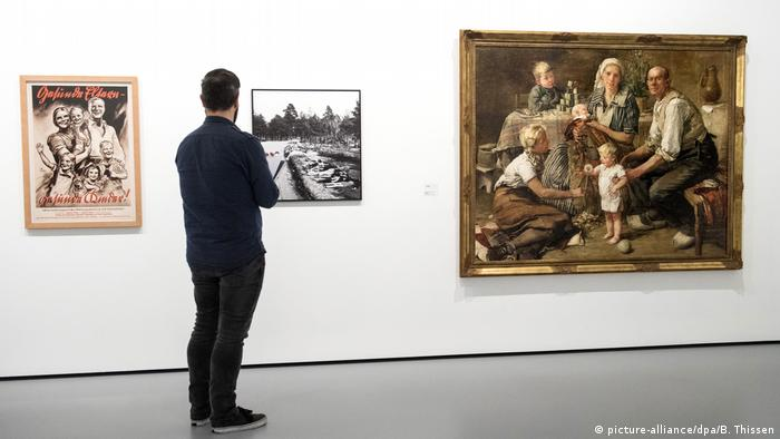 Works from the Artige Kunst exhibition in Bochum (Photo: picturealliance/dpa/B. Thissen)