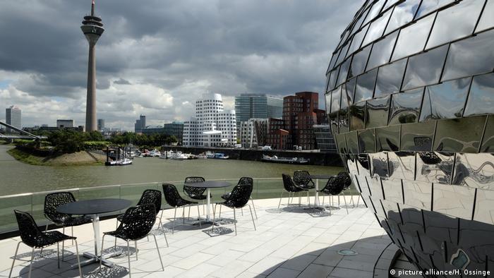 Dusseldorf's Media Harbor (picture alliance/H. Ossinge)