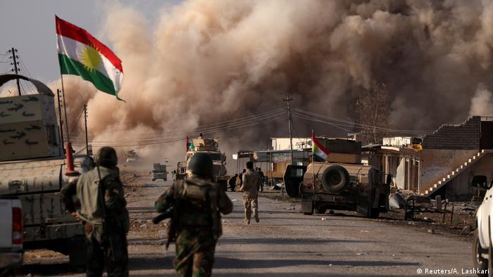 Irak Baschiqa Kämpfe Peschmerga (Reuters/A. Lashkari)