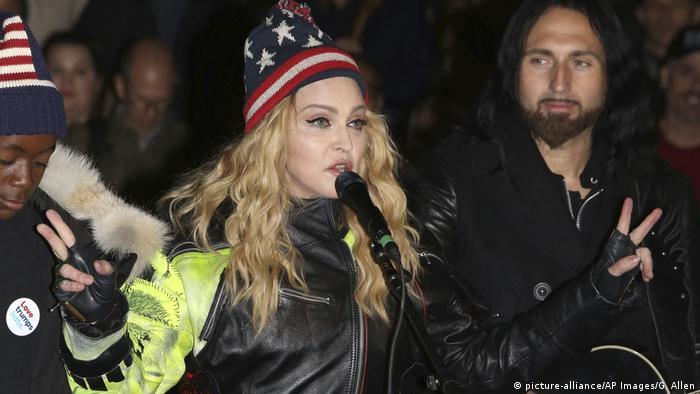 Мадонна заспівала у Нью-Йорку на підтримку Клінтон