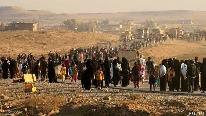 Irak Kampf um Mossul gegen den IS - Flüchtlinge aus Hammam al-Alil (REUTERS)