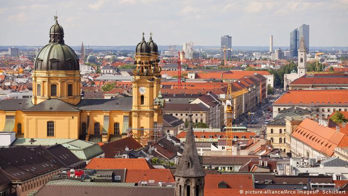 Deutschland Blick von München (picture-alliance/Arco Images/P. Schickert)
