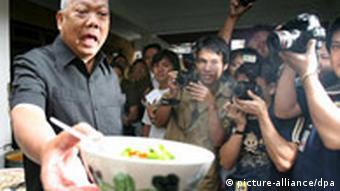 Thailands Regierungschef beging als Fernsehkoch Verfassungsbruch