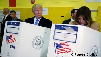USA   Präsidentschaftskandidat Donald Trump und seine Frau Melania Trump im Wahllokal