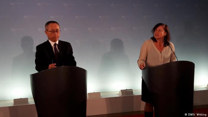 Deutschland 14. Deutsch-Chinesischen Menschenrechtsdialog (DW/V. Witting)