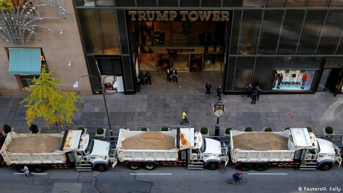 USA Präsidentschaftswahl Straßensperre vor Trump Tower in New York