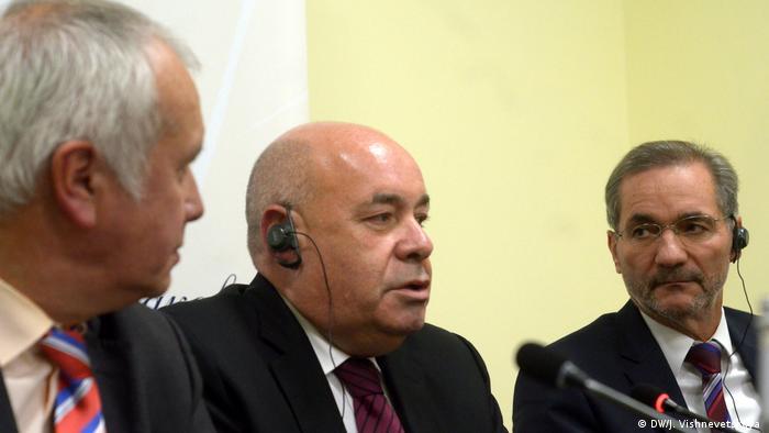 Александр Рар, Михаил Швыдкой и Маттиас Платцек на Потсдамских встречах в Москве