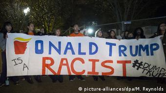 Protest against Donald Trump (picture-alliances/dpa/M. Reynolds)