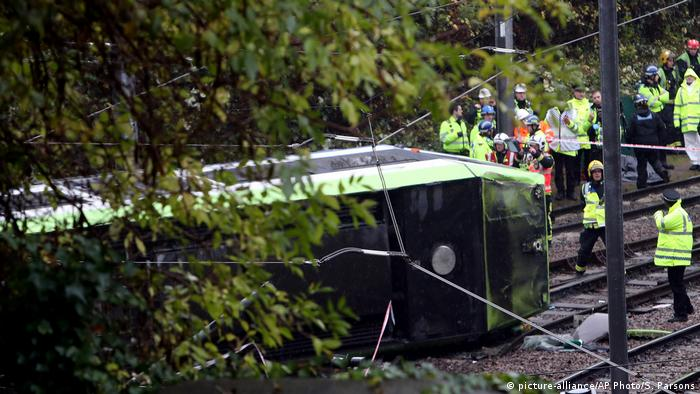 Großbritannien Verkehrsunfall in London (picture-alliance/AP Photo/S. Parsons)