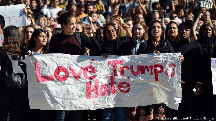 USA Berkley Proteste gegen Trump (picture-alliance/AP Photo/K. Skinner)