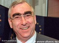Κατηγορηματικά αντίθετος στην ένταξη της Ελλάδας στην ΟΝΕ φέρεται να ήταν ο Τέο Βάιγκελ