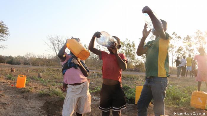 Film Kutxintxa Mosambik Maputo Kommune ohne Wasseranschluß
