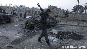 Afghanistan Explosion in der Nähe des deutschen Konsulatsbüros in Mazar-i-Sharif (Reuters/A. Usyan)