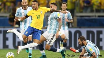 Με τη φανέλα της Βραζιλίας απέναντι στον αιώνιο ποδοσφαιρικό εχθρό