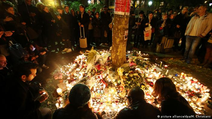 A memorial to the Paris terror attacks, one year on, on 11.11.2016.