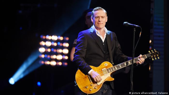 Bryan Adams (picture alliance/dpa/J. Kalaene)