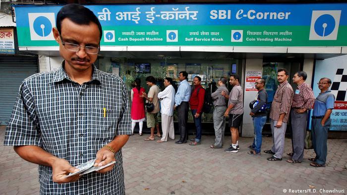 Indien Einführung neuer Währung - neue Rupie (Reuters/R.D. Chowdhuri)