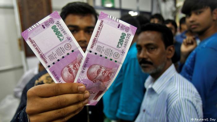 Indien Einführung neuer Währung - neue Rupie