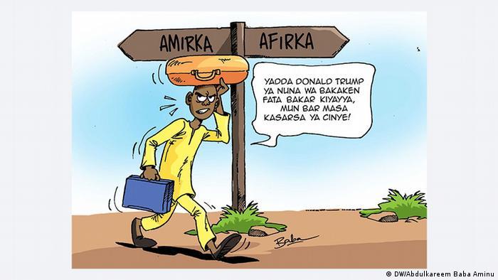 Зважаючи на ненависть Дональда Трампа до темношкірих, ми залишимо країну. Хай робить із цим, що хоче, - сказано у підписі до карикатури. Її автор - Aбдулкареем Баба Aміну - авторитетний культурний критик, журналіст та художник з Нігерії.