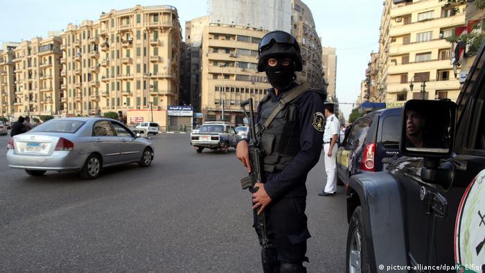 Ägypten Polizei auf dem Tahrir Platz in Kairo