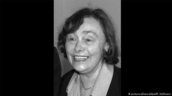 Schriftstellerin Ilse Aichinger gestorben (picture-alliance/dpa/M. Hellmann)