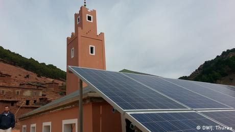 Marokko | Mit Solarkraft versorgte Moschee in Tadmamet (DW/J. Thurau)