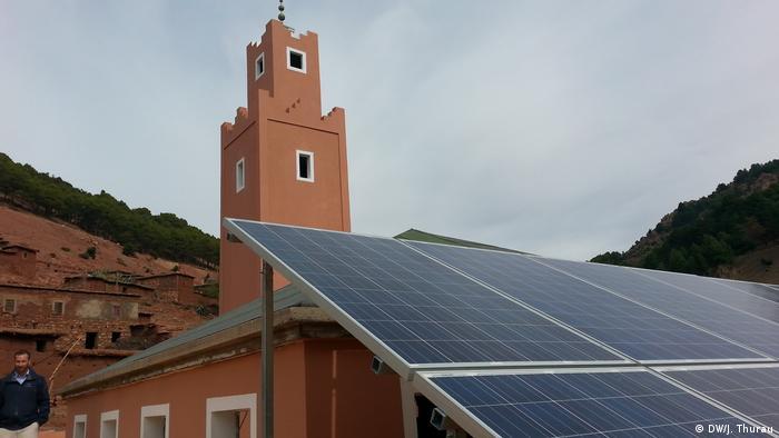 Marokko   Mit Solarkraft versorgte Moschee in Tadmamet (DW/J. Thurau)